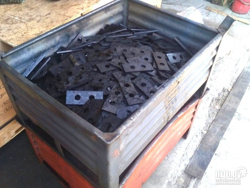 Молотки, ножи, бичи, дробилки ДМВ 190х60х8 ст. 65Г
